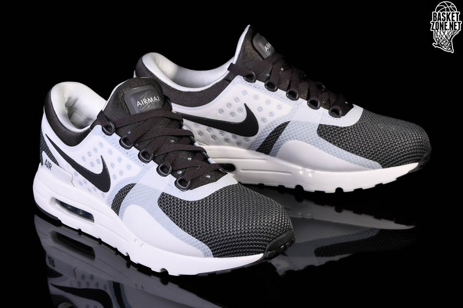 NIKE AIR MAX ZERO ESSENTIAL MIDNIGHT FOG voor £102,50