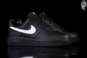 huge selection of f4f25 6c20e NIKE AIR FORCE 1 07 BLACK WHITE