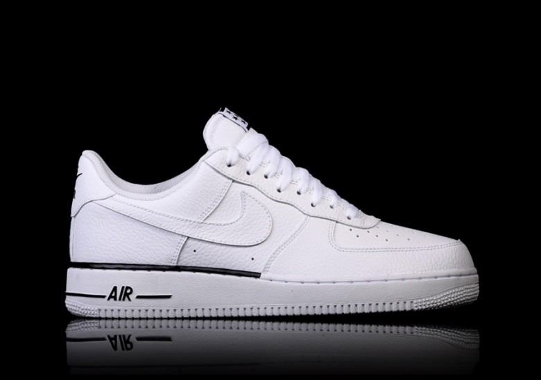 huge selection of df35a 72cb1 NIKE AIR FORCE 1  07 WHITE