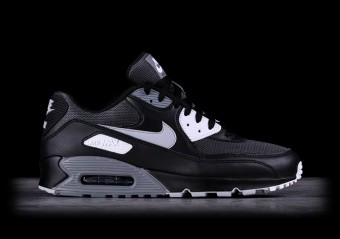 on sale 5ef4c 77514 NIKE AIR MAX 90 LEATHER INTENSE BLACK pour €112,50   Basketzone.net