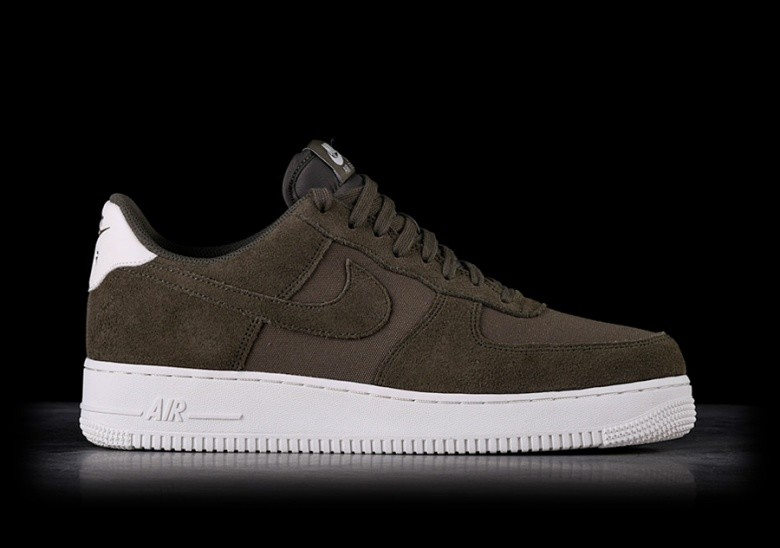 211fad1831a6f8 NIKE AIR FORCE 1  07 SUEDE DARK GREEN pour €99
