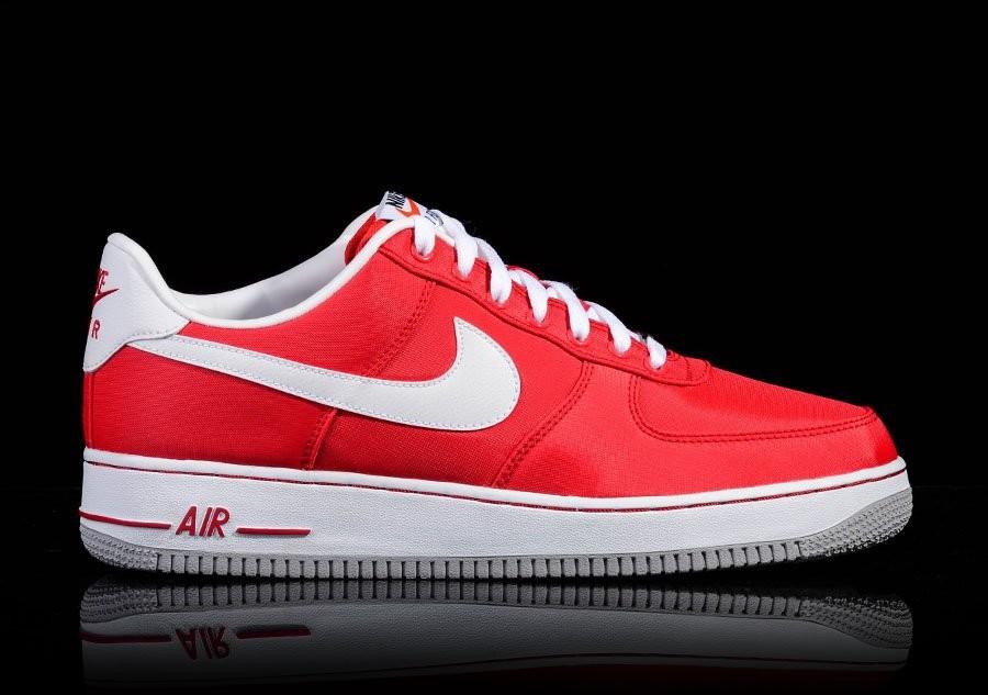 pretty nice 6059c 8afbc NIKE AIR FORCE 1 RED